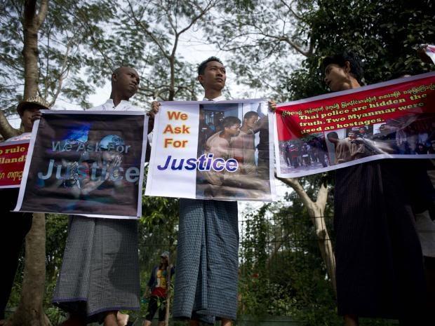 15-burma-protest-get.jpg
