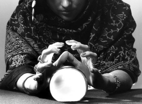 psychic-clairvoyant-Fortune-teller.jpg