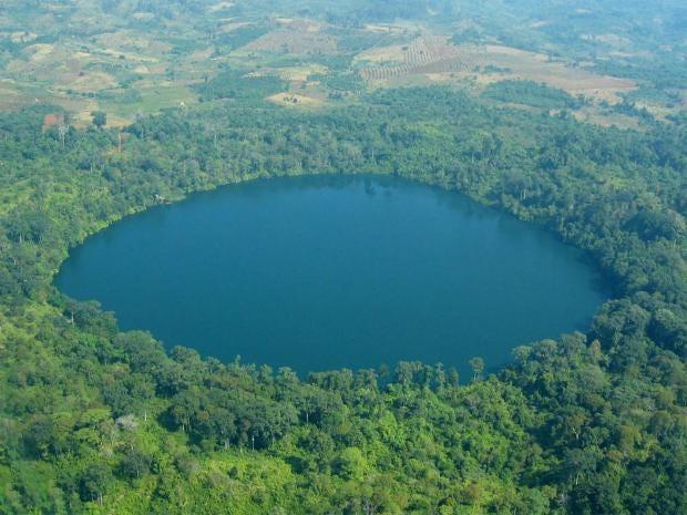 lake-yeak-laom-cambodia.jpg