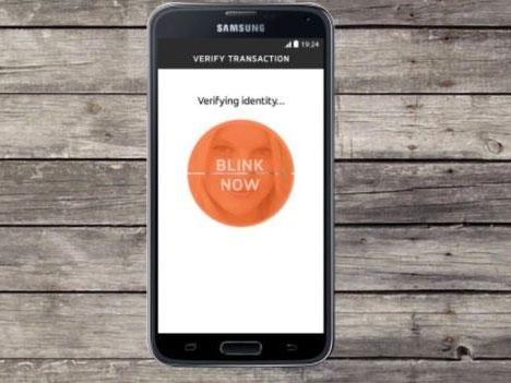 Selfie-banking-Mastercard.jpg