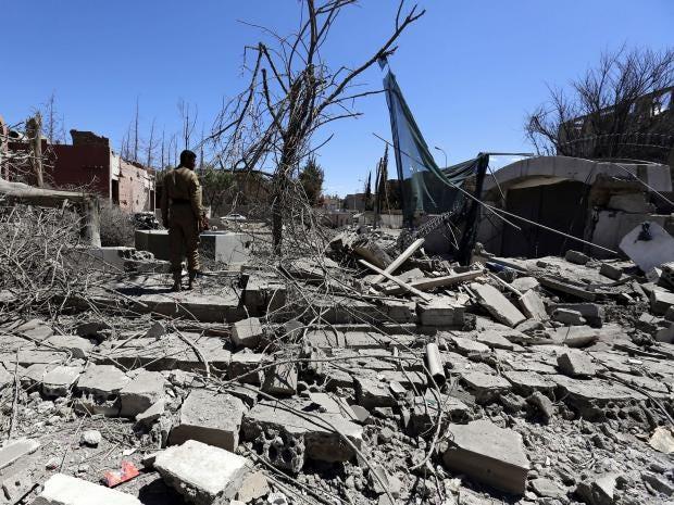 Yemen-market-air-strike.jpg