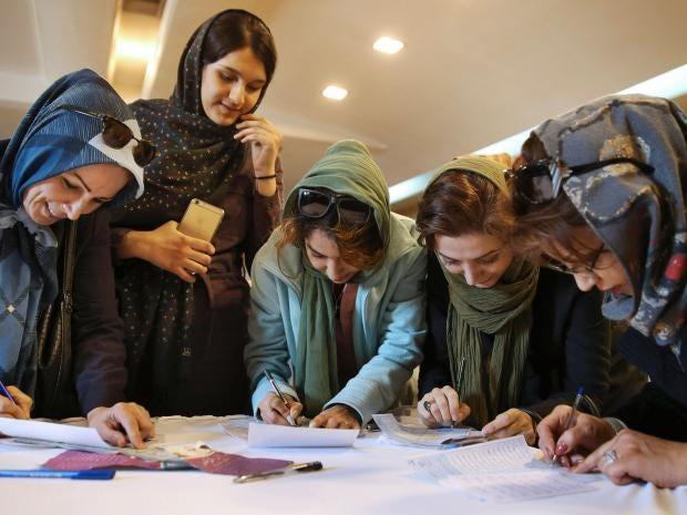 4-Iranian-voters-AP.jpg