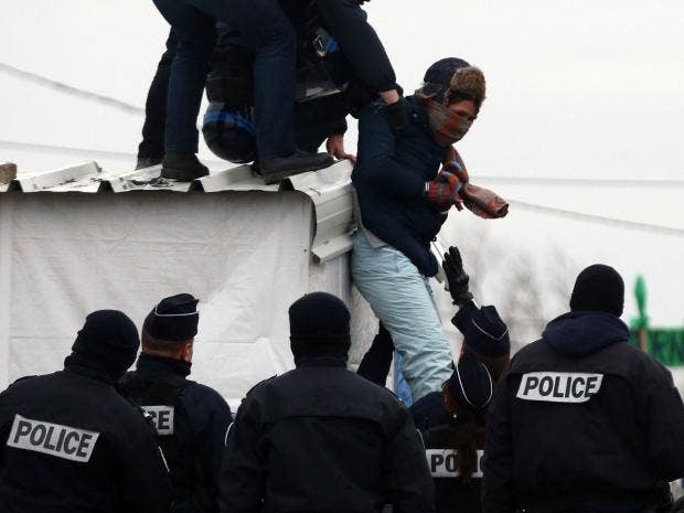 Calais-demolition.jpg