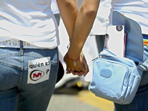 lesbian-couple.jpg