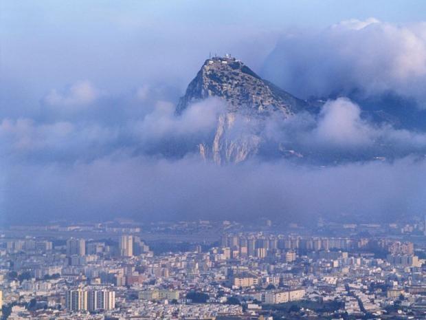 25-gibraltar-rock-alamy.jpg