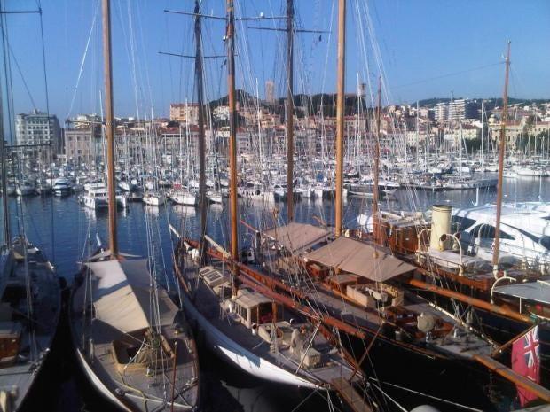 Cannes_port_rotonde.jpg