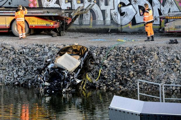 viola-beach-sweden-car-wreckage