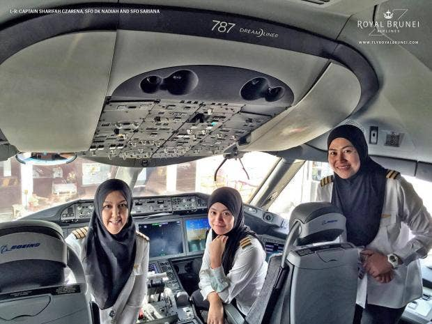 Female-Flight-Deck-royal-brunei.jpg