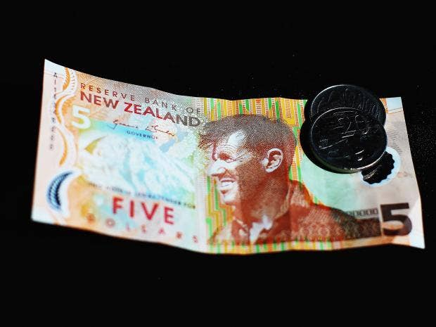 new-zealand-money.jpg