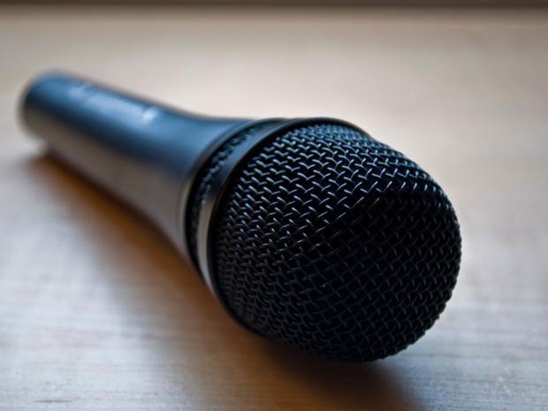 microphone-creative-commons.jpg