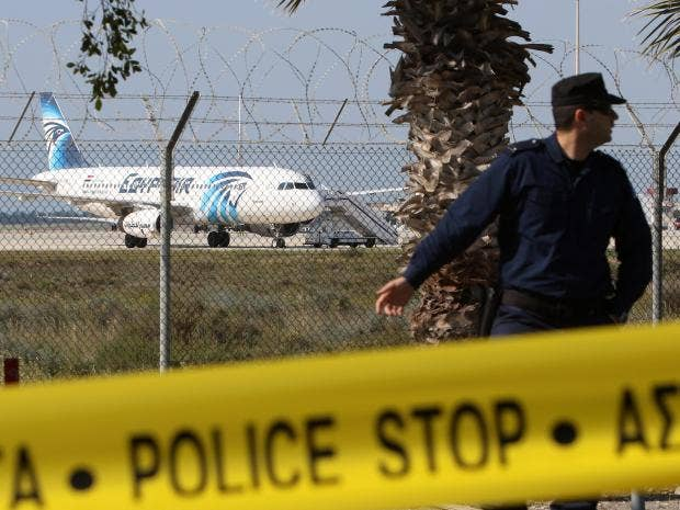 egypt-hijacked-plane-4.jpg