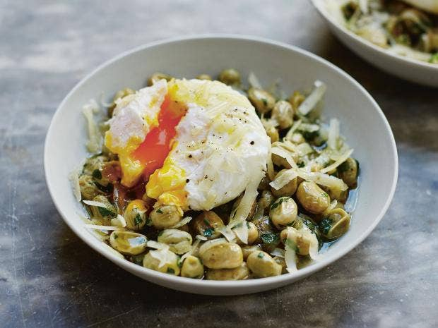 broad-beans-poached-egg.jpg