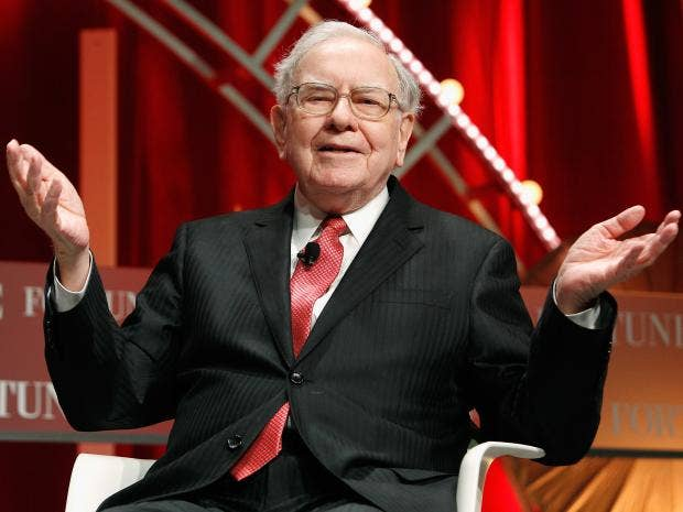 Berkshire takes huge bite of Apple, boosts airline stakes
