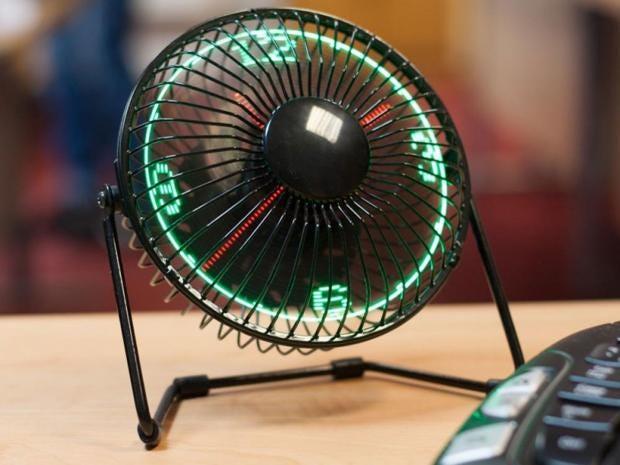 led_desktop_fan4b.jpg