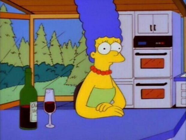 [Top 10] - Melhores Personagens de OS Simpsons Marge-simpson-wine
