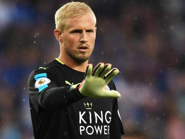 Kasper Schmeichel suffers broken hand and out for four to six weeks