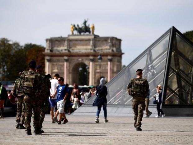 Louvre attack: Man shot after wounding soldier with machete