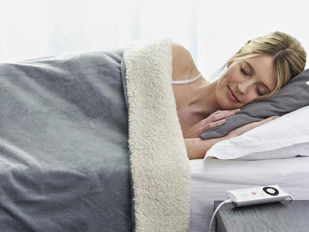 best electric blankets   The Independent The Independent Like it or not  the nights are drawing in and the evenings are getting chillier  No better time  then  to invest in an electric blanket  enabling you to get