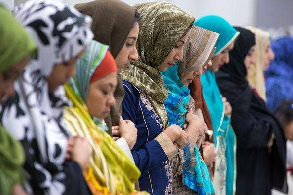 bunch muslim single women Muslim dating at muslimacom sign up today and browse profiles of women for  dating for free.