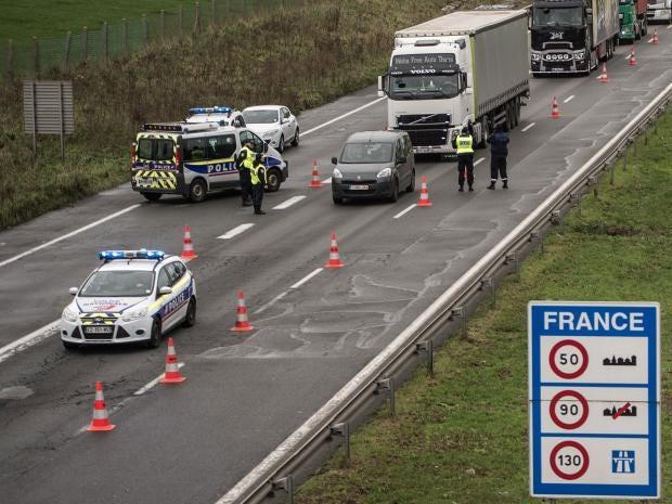 French cops arrest Belgian colleagues transporting migrants