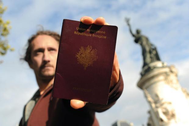 france-passport.jpg
