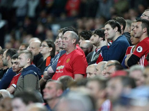 manchester-united-fans.jpg