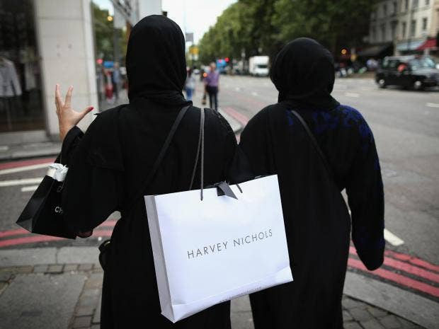 muslim-women-shopping-getty.jpg