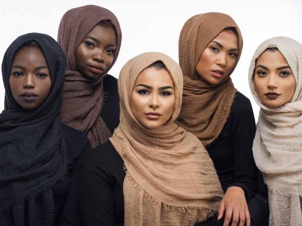 habiba-da-silva-hijab-group.jpg