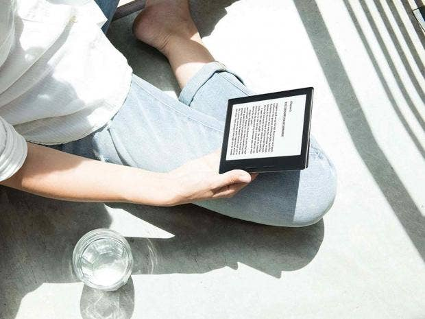 9 best ebook readers the independent ebook readers have monochrome e paper screens which only use energy when they refresh the screen that is on page turns so batteries last weeks fandeluxe Epub