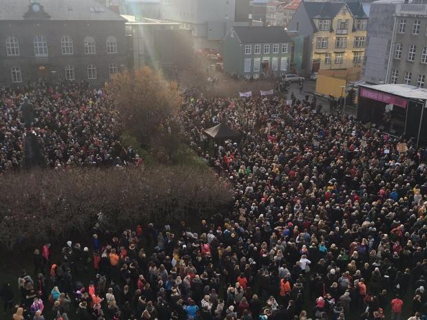 women-iceland-protest-twitter.jpg