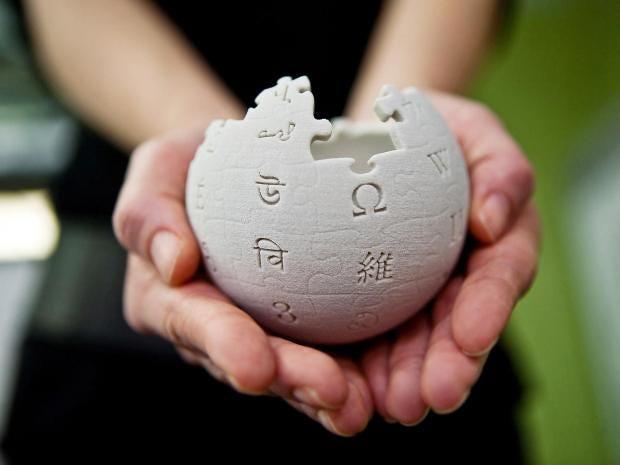 wikipedia-globe-handheld.jpg