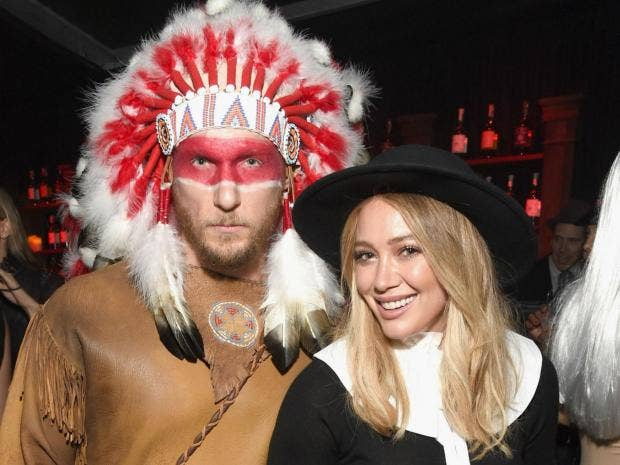 Hilary duff and jason walsh apologise for native american and hilary duff and jason walsh apologise for native american and pilgrim halloween costumes solutioingenieria Image collections