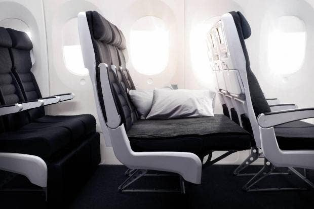 air-nz-economy-skycouch-footrest-up-777-300.jpg