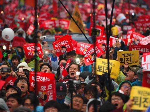 Resultado de imagen de demonstrations people fighting south korea