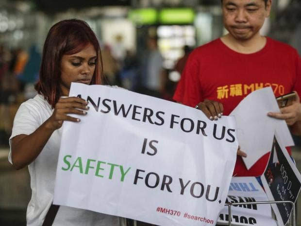 MH370 relatives launch appeal for new search for missing flight