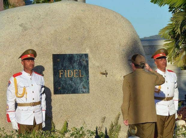 Castro's ashes interred at Santiago cemetery