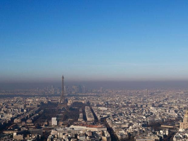paris bans cars with even plates in third day of transport restrictions to ease air pollution. Black Bedroom Furniture Sets. Home Design Ideas