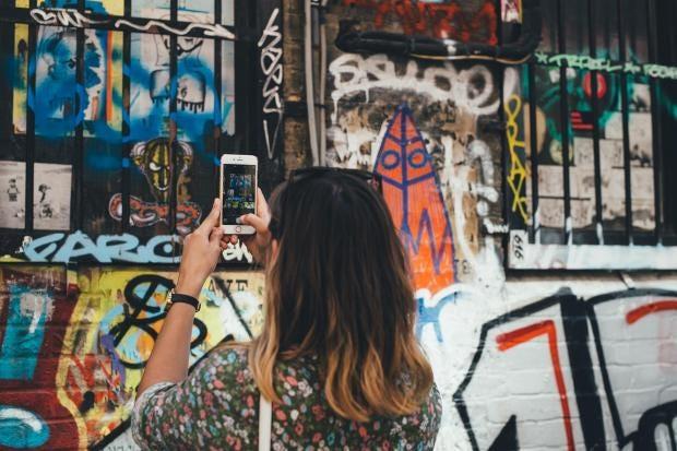 instagram-phone-unsplash-annie-spratt.jpg