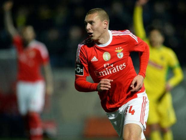 Manchester united transfer news who is 38m benfica - Victor lindelof ...