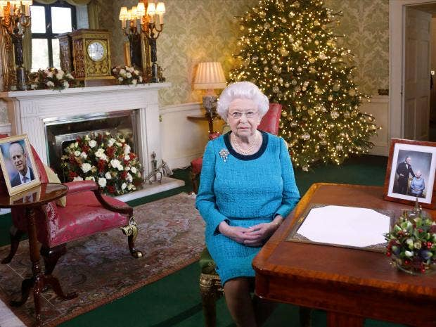 Queen Elizabeth reflects on year in 2016 Christmas broadcast