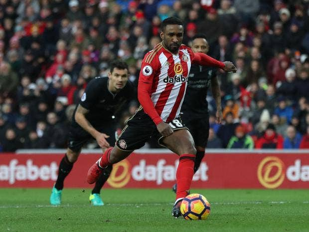 Moyes adamant that Defoe is not for sale