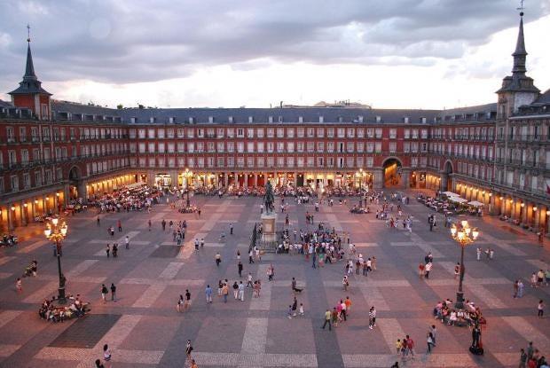 1280px-plaza-mayor-de-madrid-06.jpg