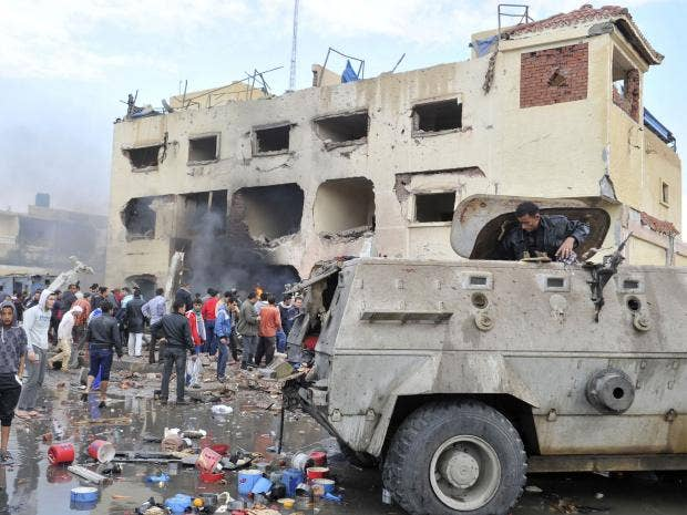Nine policemen killed in Egypt blast