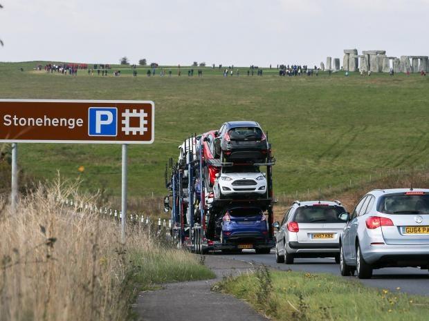 stonehenge-cars.jpg
