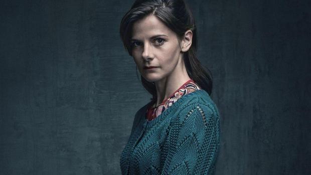 Sherlock Season 4 Finale Louise Brealey Disagrees With Steven Moffat