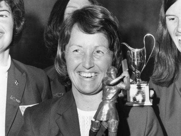 Heyhoe-Flint, 1st global star of women's cricket, dies at 77