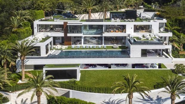 Most Expensive US Mansion Goes On Sale For M Complete With - Mansion bathrooms