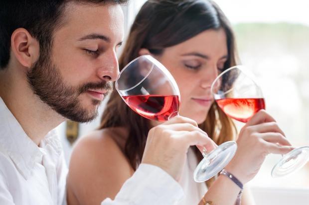 couple-wine.jpg