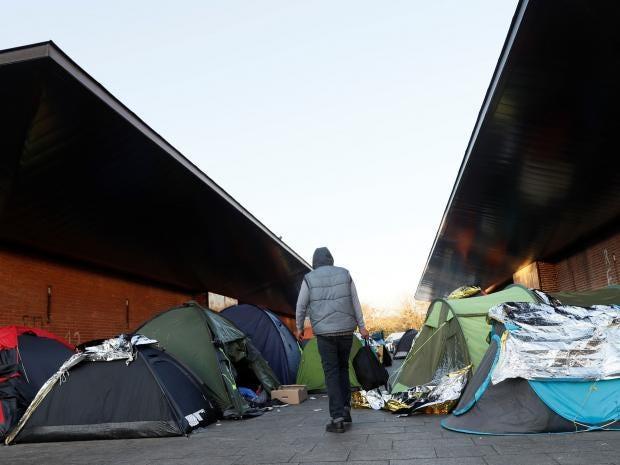migrants-paris-cold2.jpg