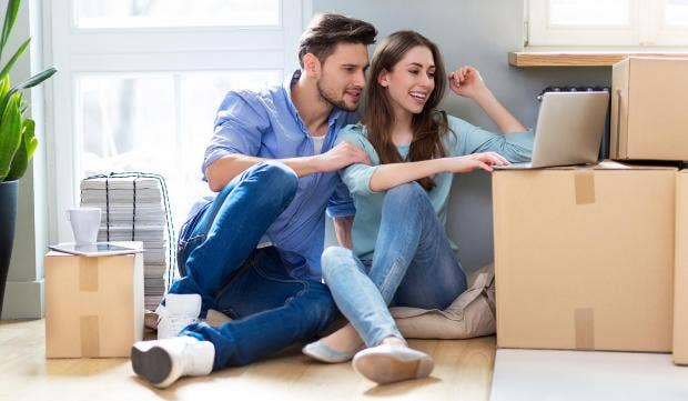 couple-movingin.jpg